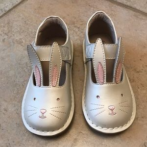 Livie & Luca Bunny Shoes Size 10 | Color: Pearl